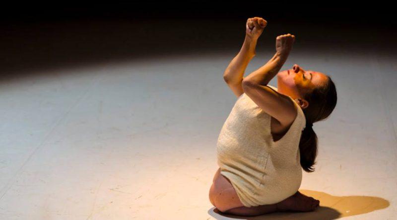 La parola al corpo: dialogo con la vincitrice under 35 del premio Ubu per il teatro 2018 Chiara Bersani